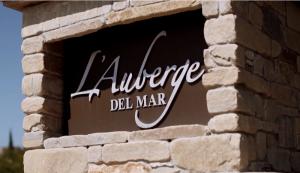 La Auberge (Reaction Pictures)